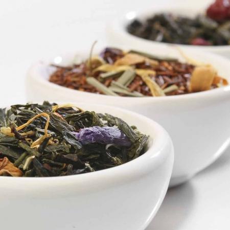 Tè con Erbe, Spezie, Frutta e Fiori
